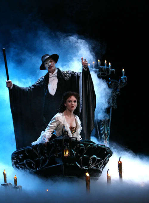 The-Phantom-of-the-opera-musicals-18688158-500-680